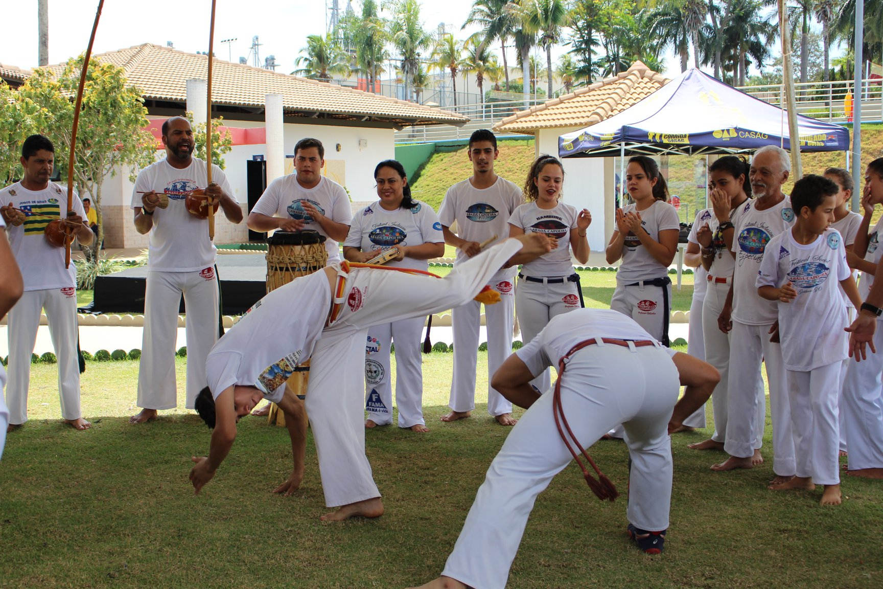 Capoeira inclusiva e evento de motociclismo movimentaram final de semana no CEL