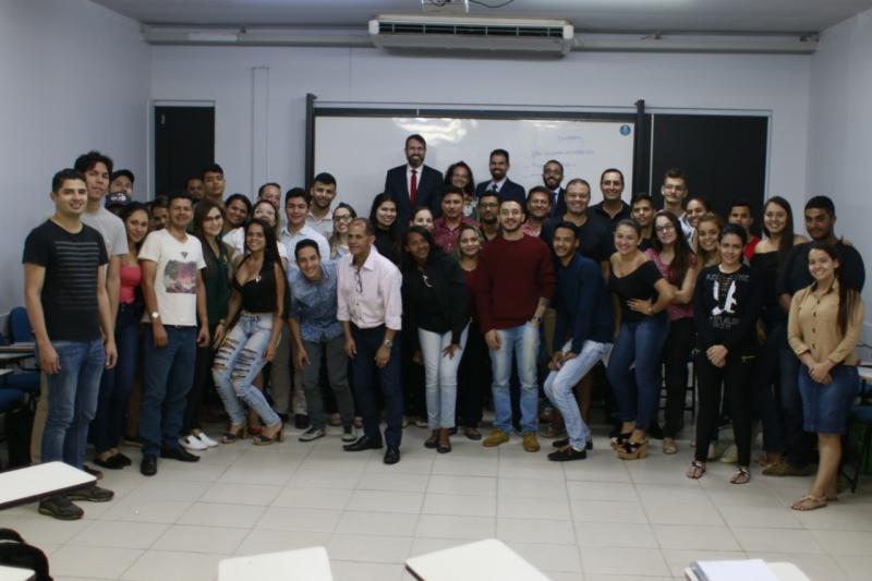 CEDCivil aborda prática da advocacia cível em palestra para alunos de Direito