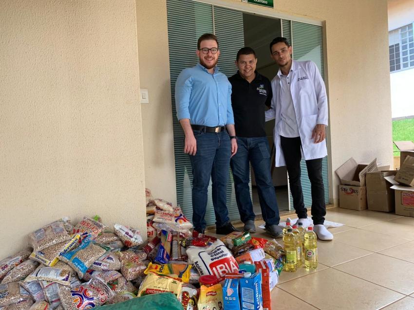 ESA doa alimentos arrecadados durante Setembro Verde a instituição filantrópica