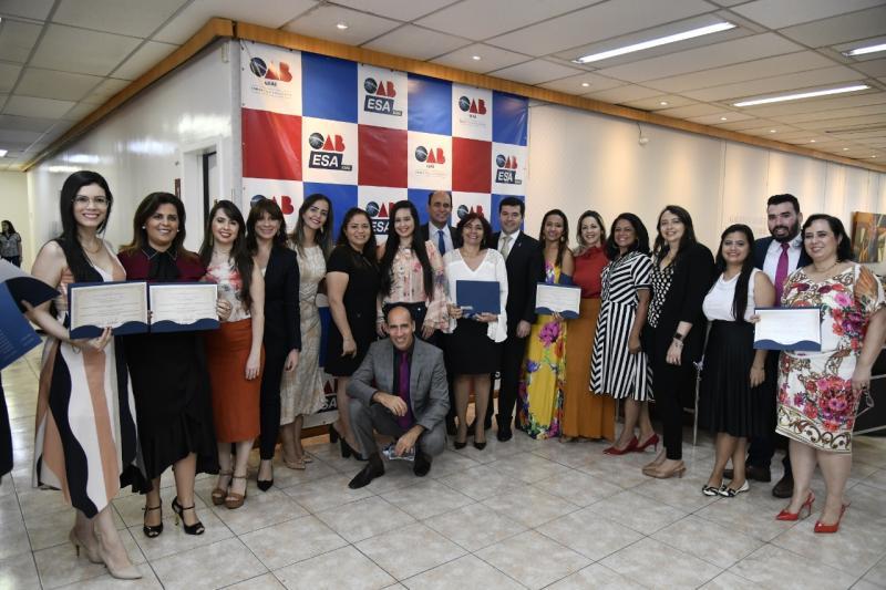 ESA-GO homenageia professores por relevância ao ensino jurídico no estado